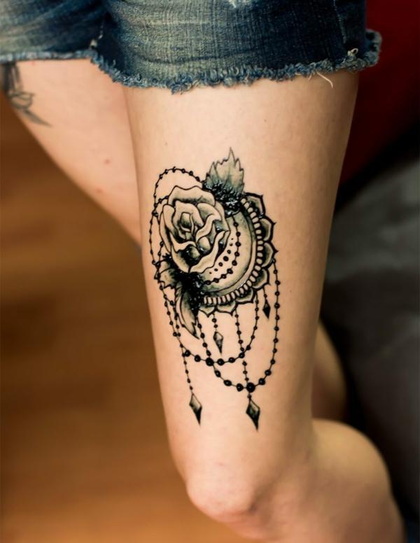 tatouage éphémère au jagua cuisse femme