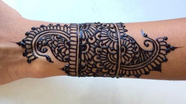 tatouage éphémère au jagua dentelle femme