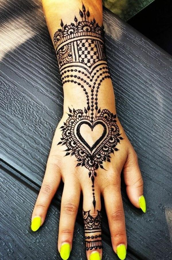 tatouage éphémère femme henné