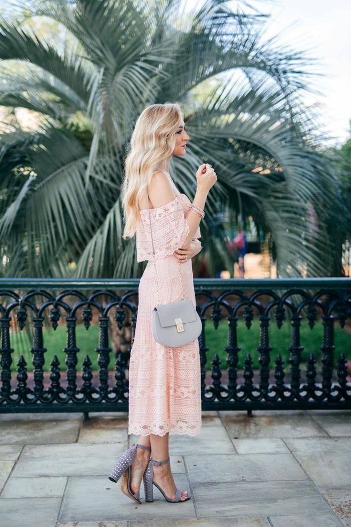 tenue élégante robe estivale