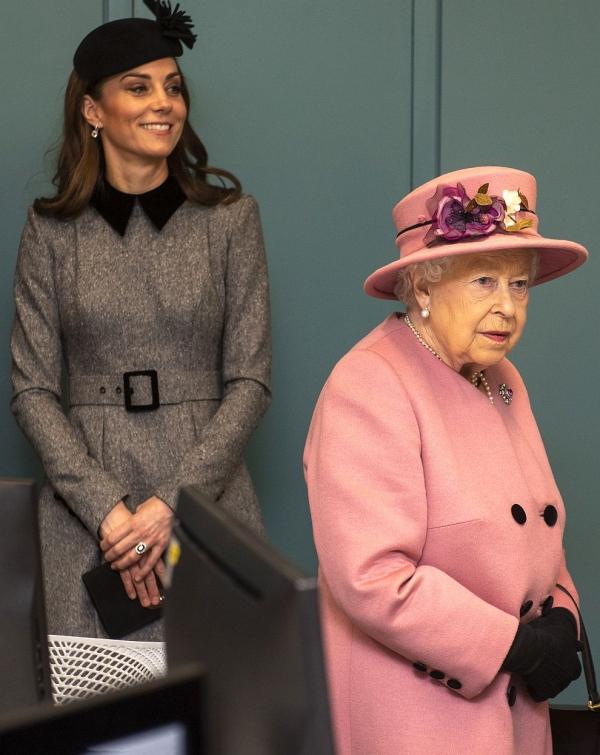 Élisabeth II assister à un événement