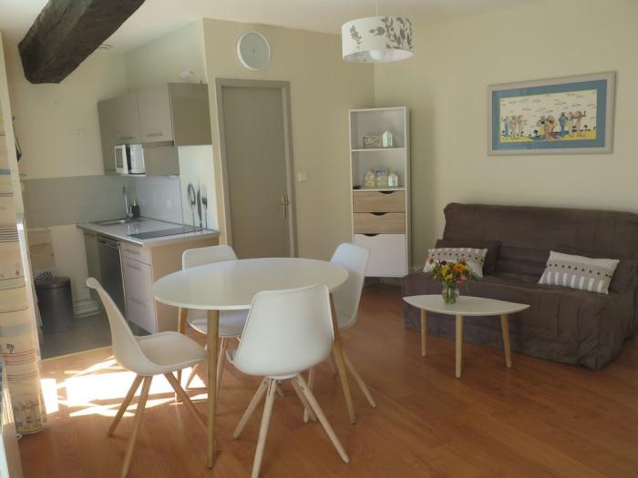 aménagement petit appartement espace épuré