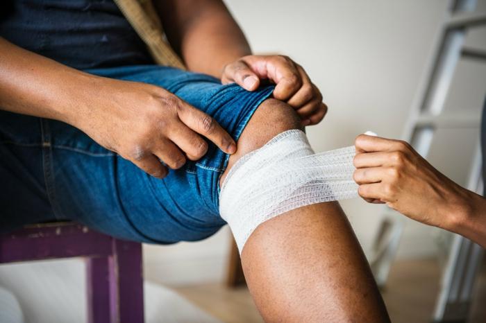 assurance sports et loisirs homme blessé