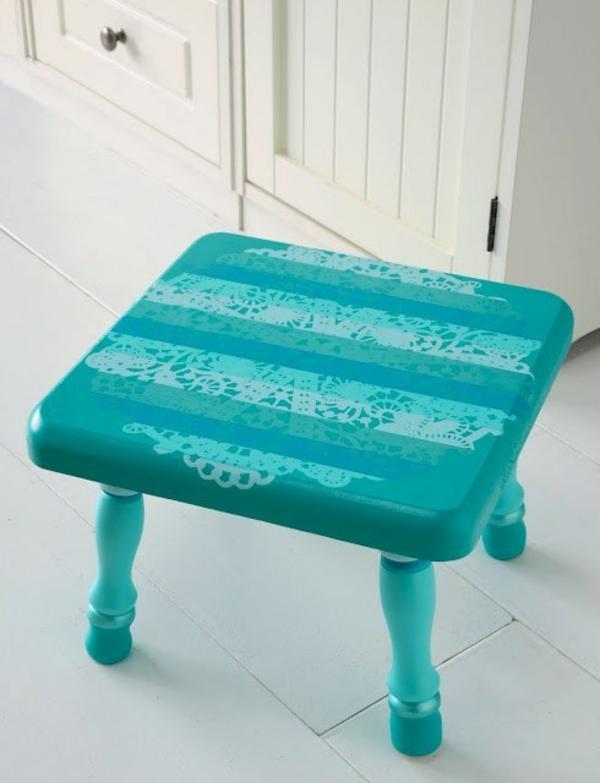 bricolage avec un napperon chaise basse décorée diy