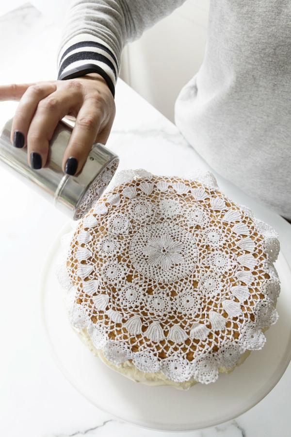 bricolage avec un napperon déco gâteau diy