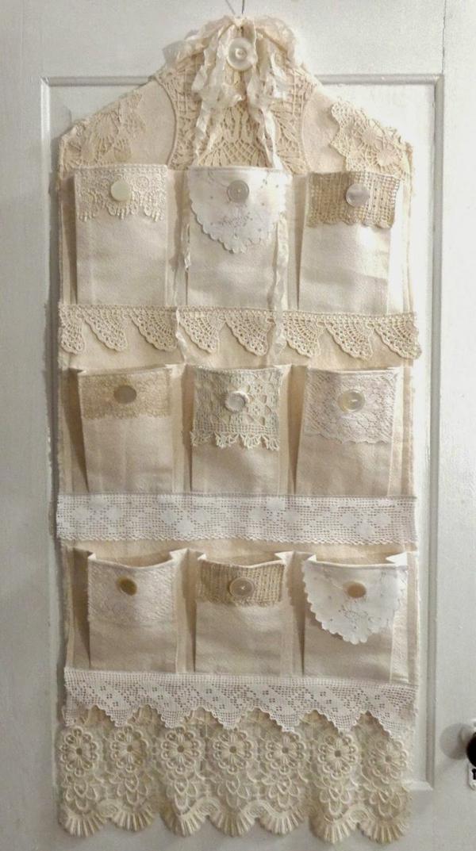 bricolage avec un napperon panneau poches à rangement diy