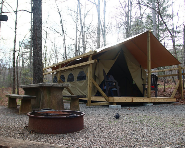 camping luxe espace de gravier