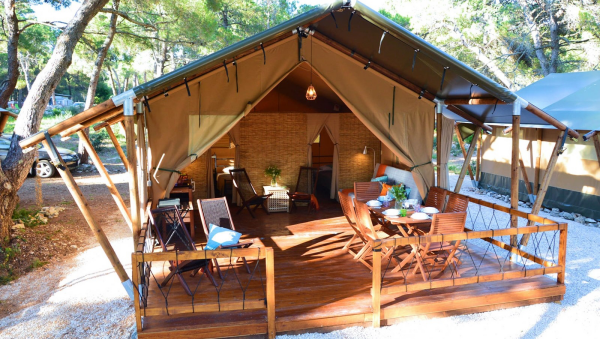 camping luxe petite maisonnette