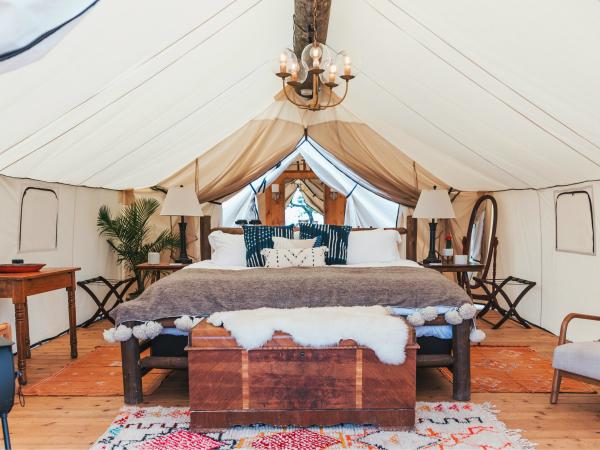 camping luxe styles mélangés