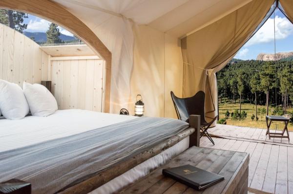 camping luxe tente surélevée
