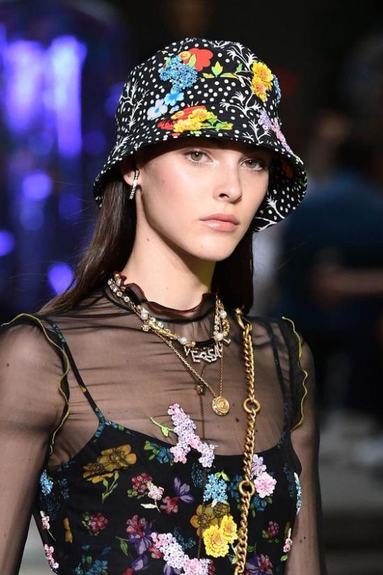 chapeau femme à motifs