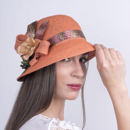 chapeau femme décoré joliment