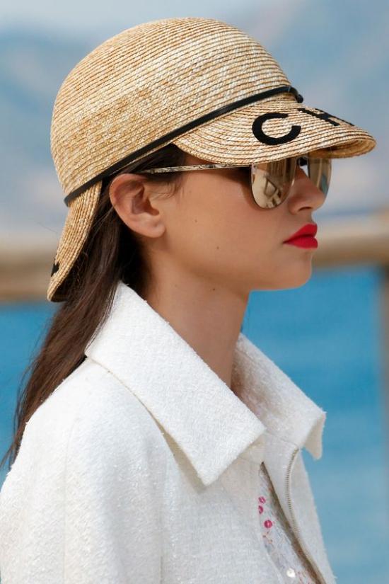 chapeau femme devant et derrière