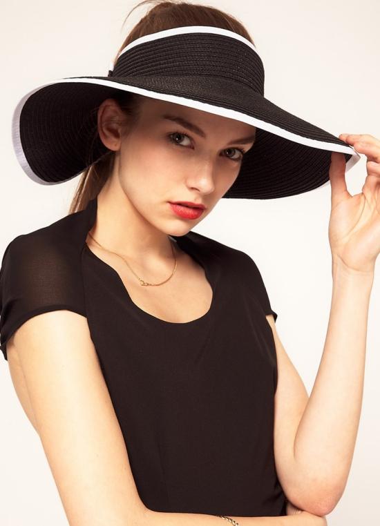 chapeau femme en couleur noire