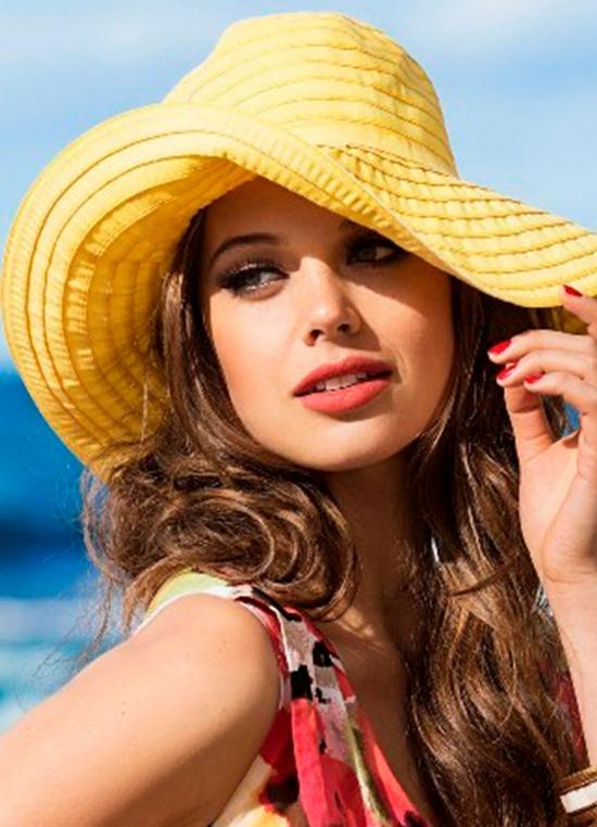 chapeau femme en tissu jaune
