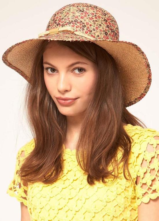 chapeau femme léger et multicolore