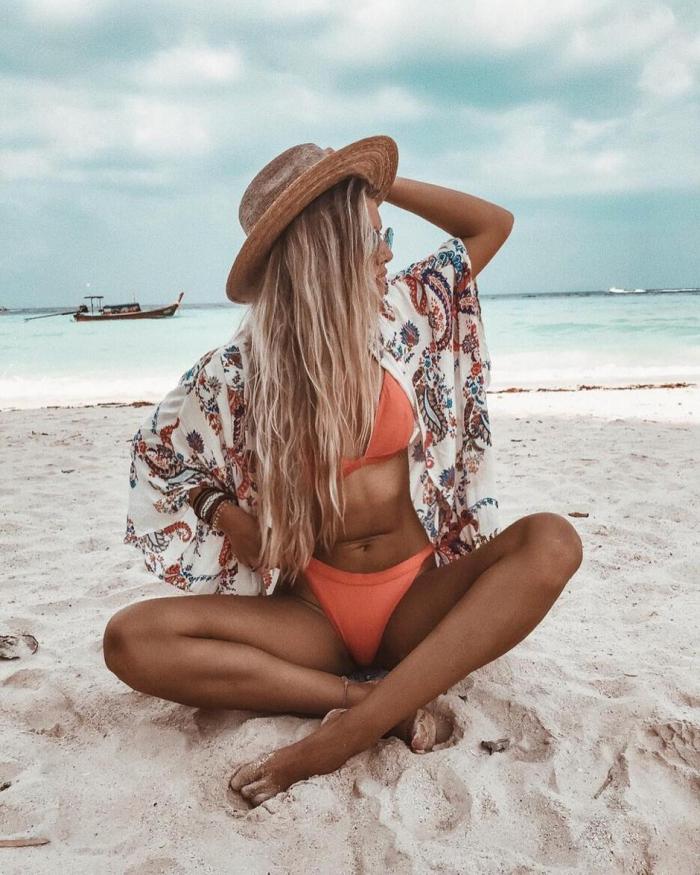 coiffure plage chapeau sur les cheveux