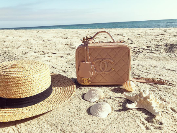 comment bien préparer sa valise chapeau de paille