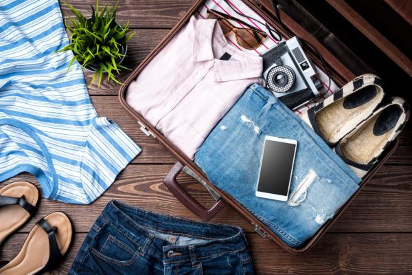 comment bien préparer sa valise chaussures légères
