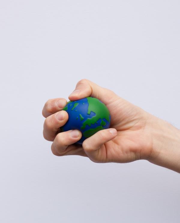 comment gérer le stress écraser entre les mains