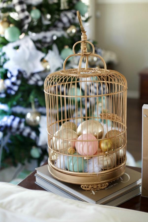 déco cage oiseau avec des boules de noël