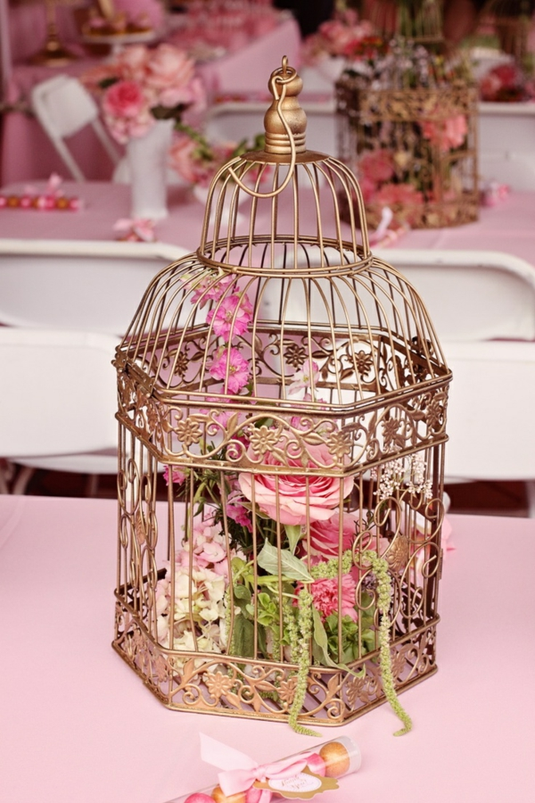déco cage oiseau avec des fleurs mariage