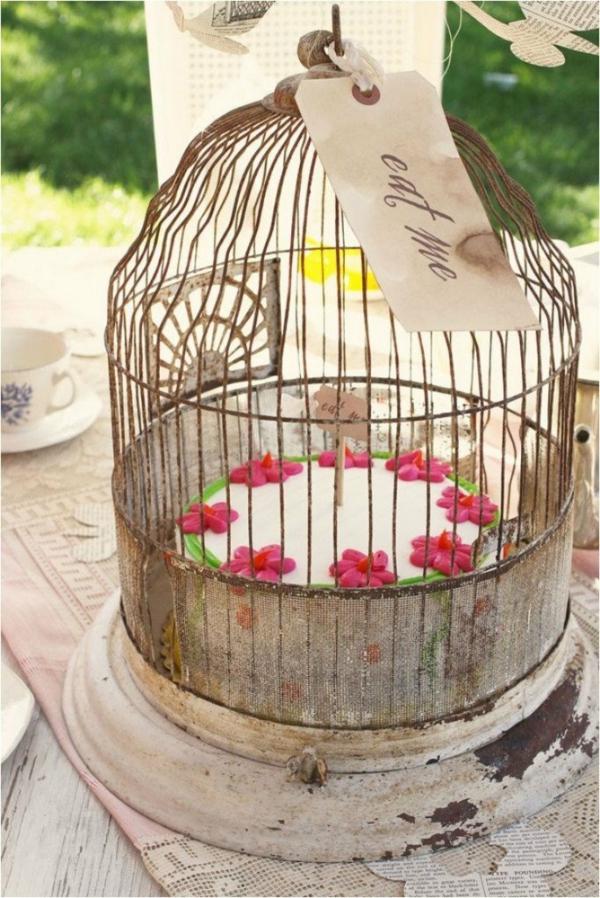 déco cage oiseau mariage présentoir gâteau