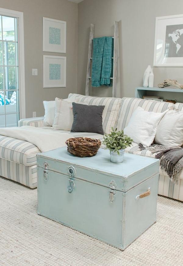 déco salon table basse coffre bleu pastel