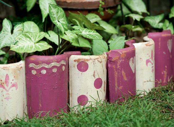 fabriquer déco jardin en tuiles de terre cuite bordure d'allée de jardin diy