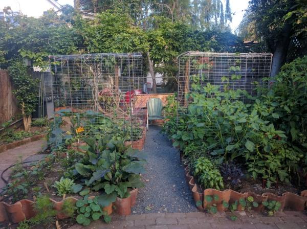 fabriquer déco jardin en tuiles de terre cuite bordure de plate-bande diy