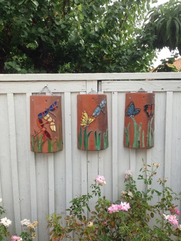 fabriquer déco jardin en tuiles de terre cuite panneau artisanal déco murale