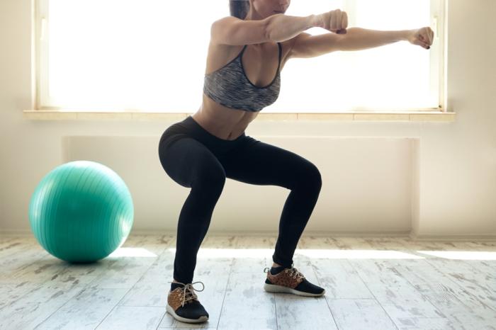 faire-des-squats-pour-avoir-de-belles-jambes