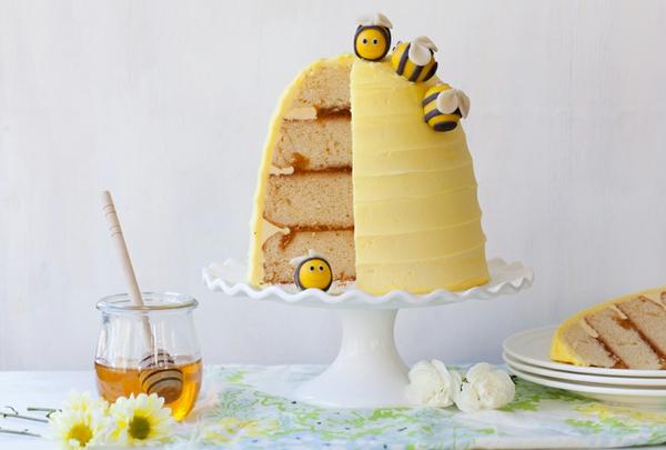 gâteau nid d'abeille crème au miel confiture