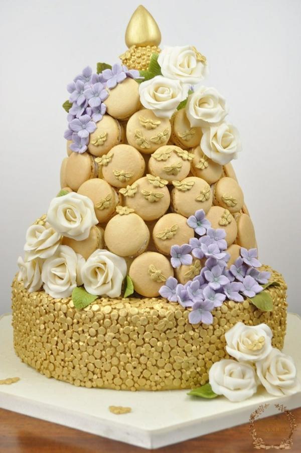 gâteau nid d'abeille déco macarons