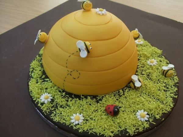 gâteau nid d'abeille de forme ronde