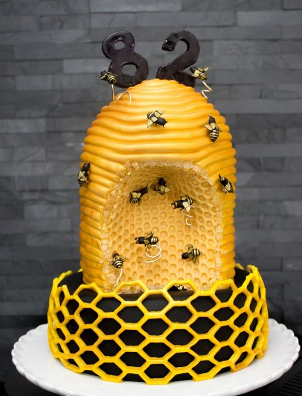 gâteau nid d'abeille et ruche d'abeille