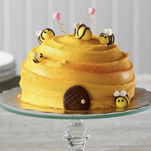 gâteau nid d'abeille glaçage crème au lait concentré