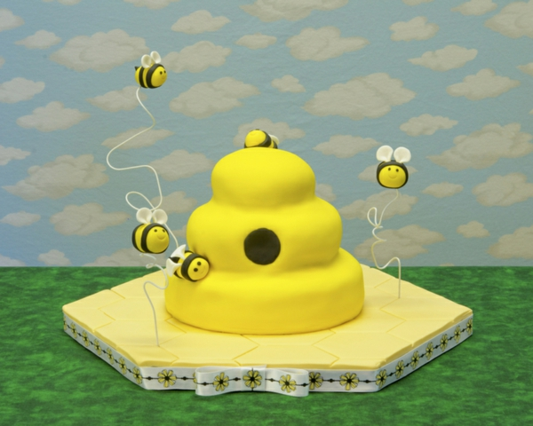 gâteau nid d'abeille pâte à sucre jaune