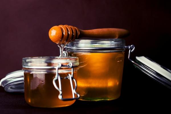 méthodes naturelles de chasser les mouches piège à mouches avec du miel