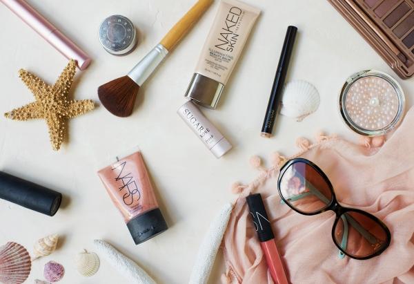 maquillage à la plage il y a de tout