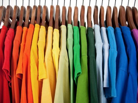 mauvaise odeur maison vêtements puants