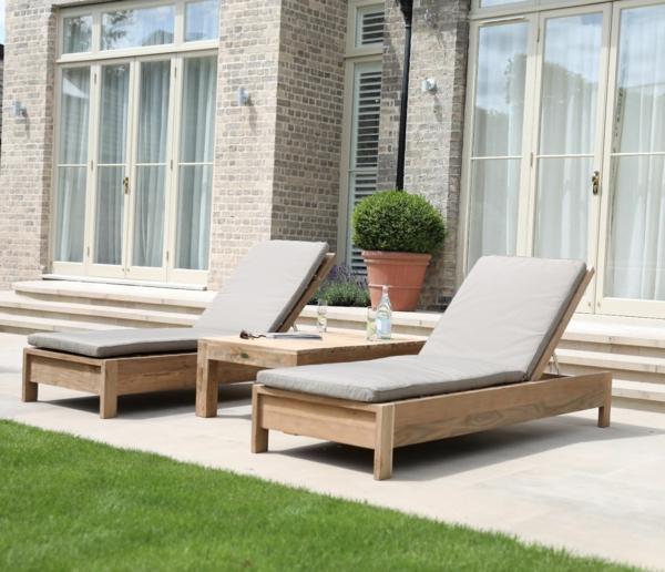 modèle de chaise longue d'extérieur bain de soleil en bois
