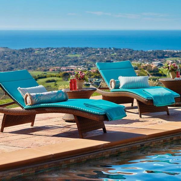 modèle de chaise longue d'extérieur bain de soleil en rotin