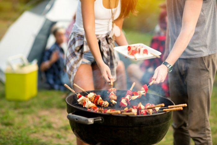période-estivale-jardin-bbq-recette-marinade-pour-viande-rouge- cuisine-extérieure
