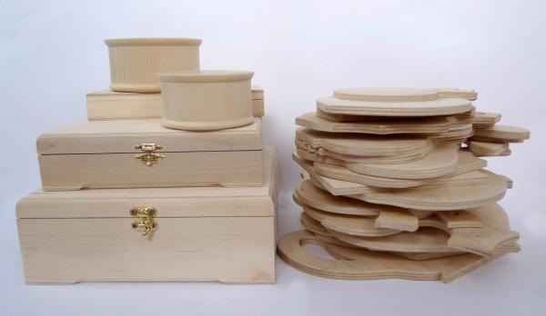 planche à découper cuisine en bois en différentes formes