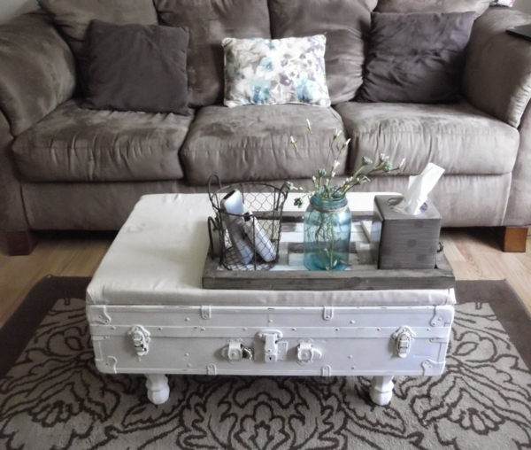 table basse coffre peint en blanc