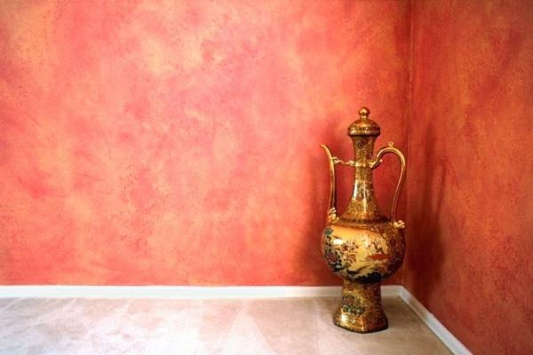 technique peinture à l'éponge déco salon mur rouge