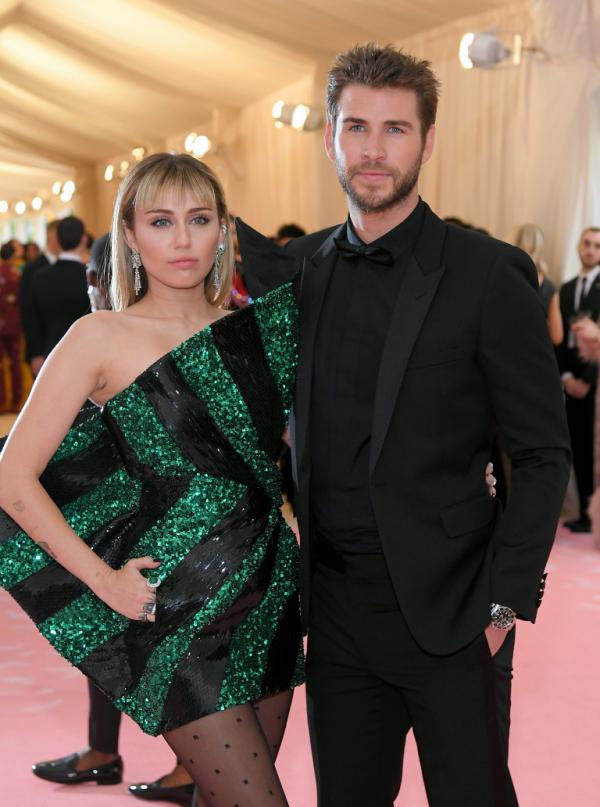 Miley Cyrus et Liam Hemsworth beaux et jeunes