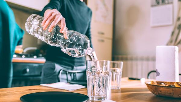 alcaliniser l'eau hydratation de l'organisme