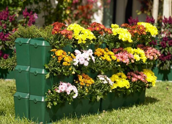 aménagement jardin paysager des jardinières superposées